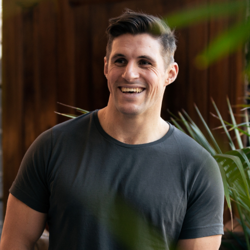 man in black tshirt
