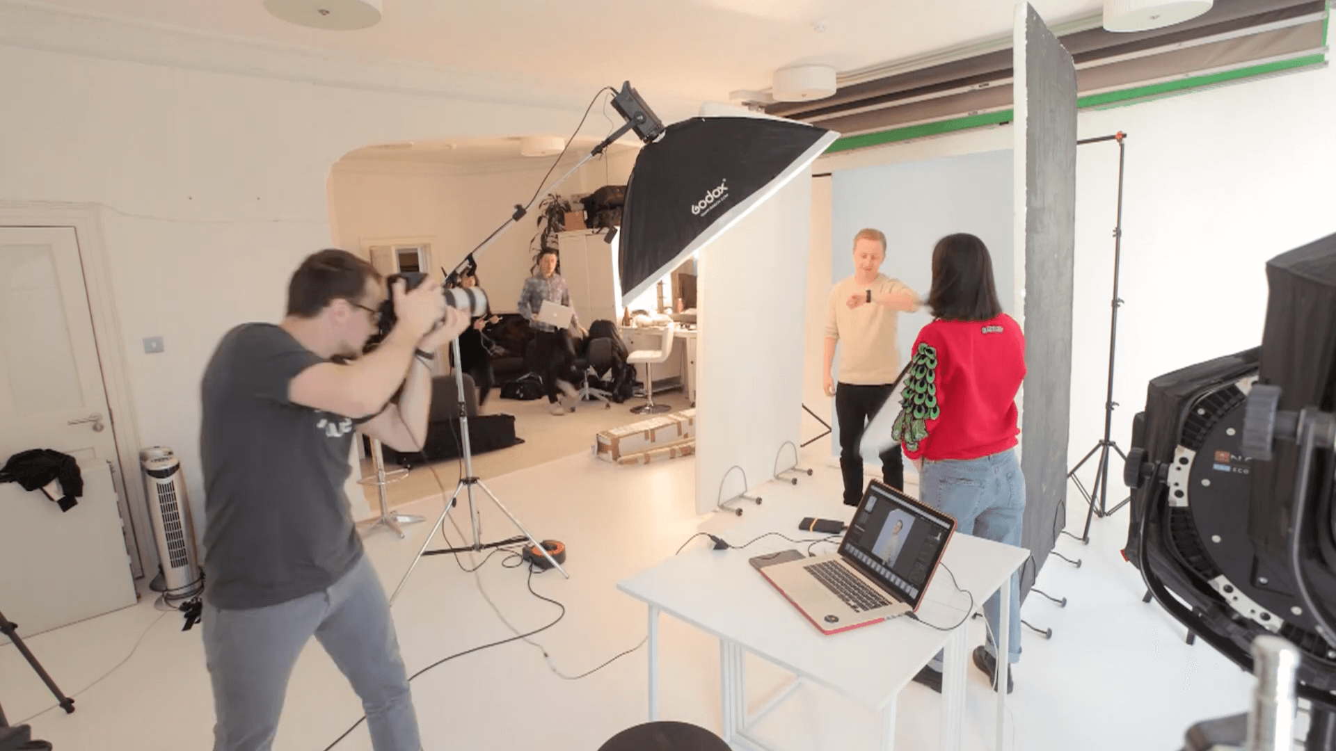 cast shooting